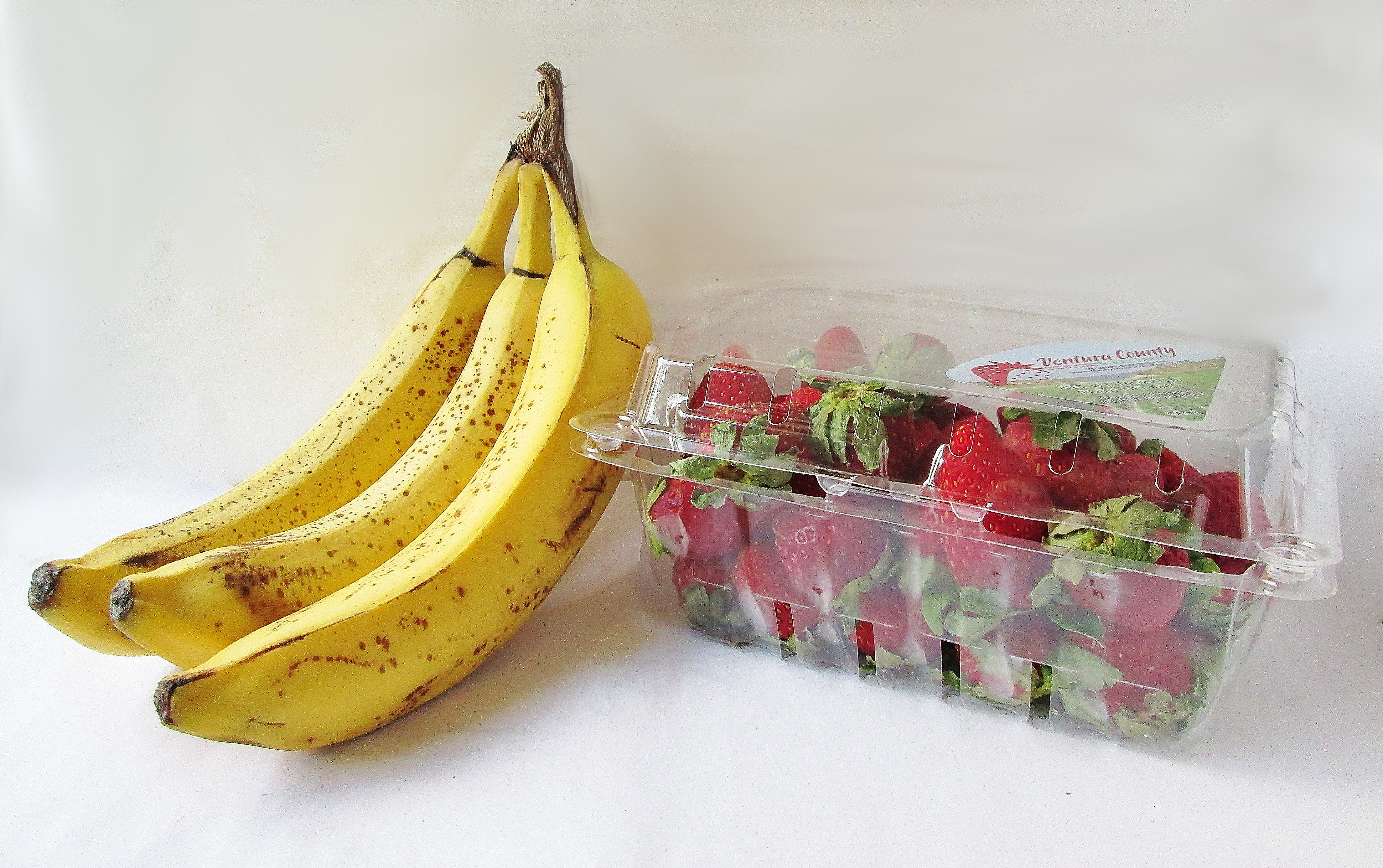 sabriel-dried-fruit-strawberries-bananas-ap-1349